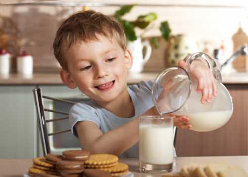козье молоко: можно ли давать его грудничкам